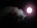雲間の名月。でも露光が……それに手ぶれが……1