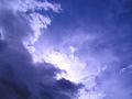 流れてゆく雨雲