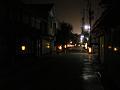 闇夜の街道