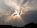 雲は太陽を覆い隠せない