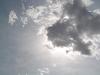 雲の後ろに