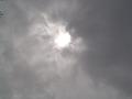 日蝕の日・雲の中の太陽