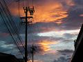 夕焼け雲と電柱