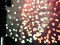 [手ぶれ/ピンぼけ]電線と炸裂した花火