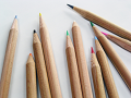 ばらりと置いた色鉛筆
