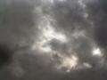 寒い春の空。