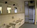 公共施設のトイレの手洗い