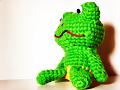【加工写真】編みぐるみ 蛙、ぼーっとする