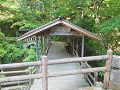 鹿教湯温泉:屋根付きの橋(五台橋)