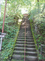 鹿教湯温泉:薬師堂への石段