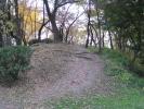 丘の上へ行く小道