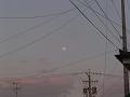 電線と満月