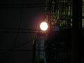 工事現場の月
